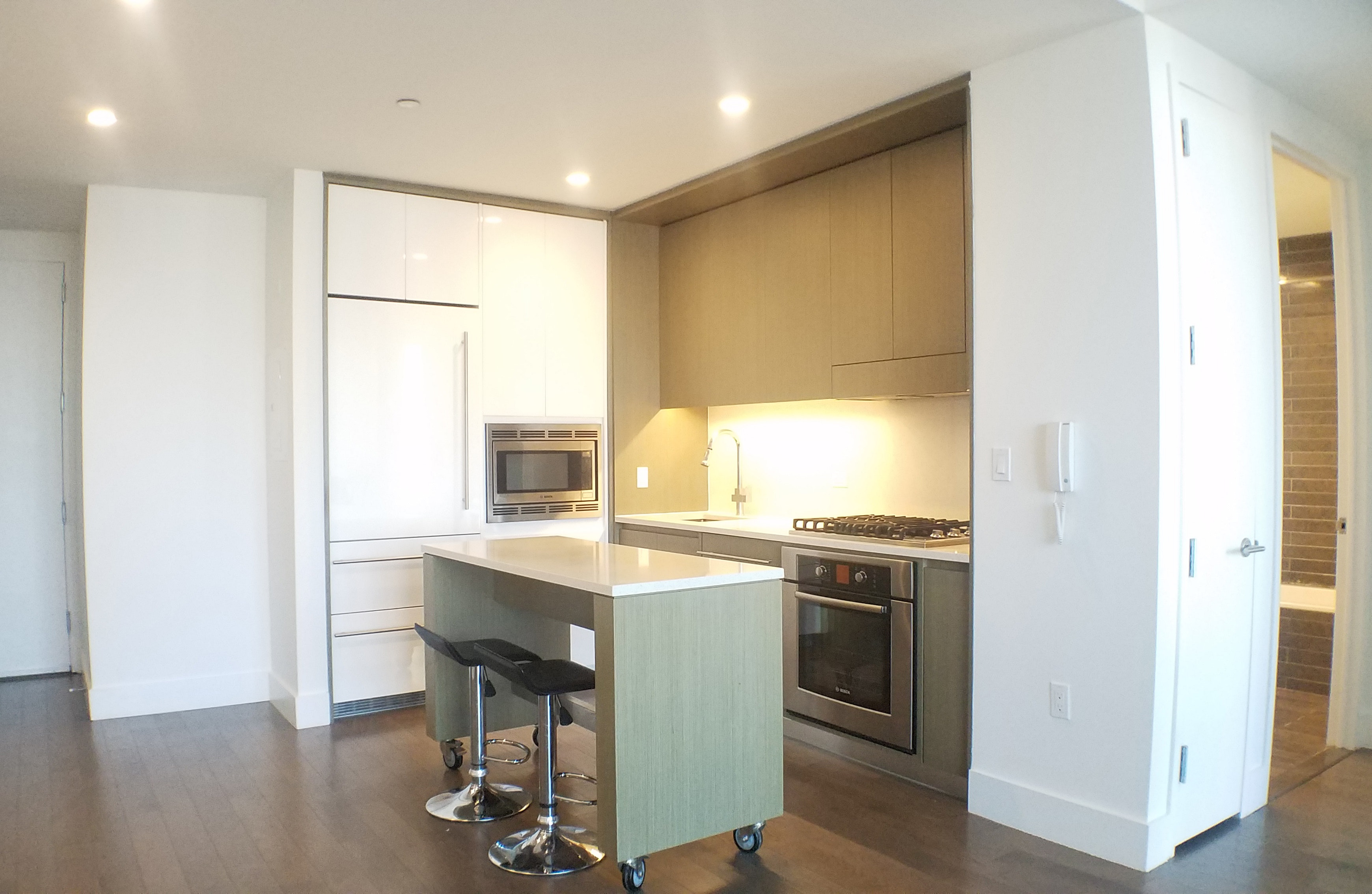Modern One Bedroom Above The Clouds 39e, Downtown Brooklyn, NY - USA (photo 3)