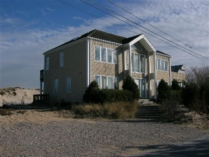 Amag Dunes, Amagansett, $5,800,000, Web #: 10086
