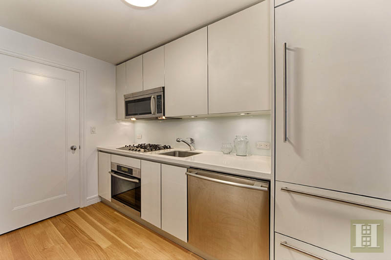230 RIVERSIDE DRIVE 4L, Upper West Side, $1,295,000, Web #: 12987929
