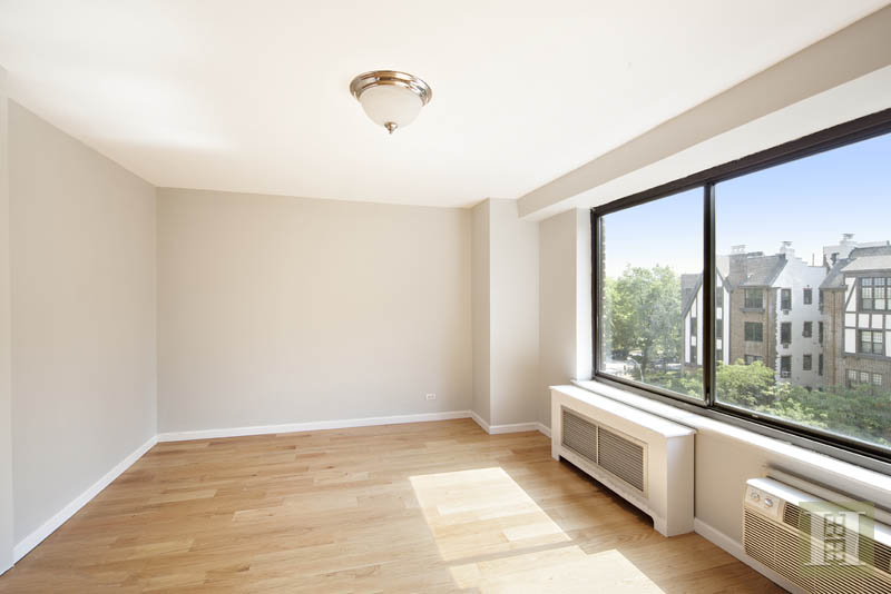 372 CENTRAL PARK WEST 7H, Upper West Side, $982,000, Web #: 13187559