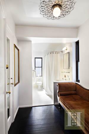 CLASSIC NEW YORK CHARM, Gramercy Park, $1,649,000, Web #: 13698528