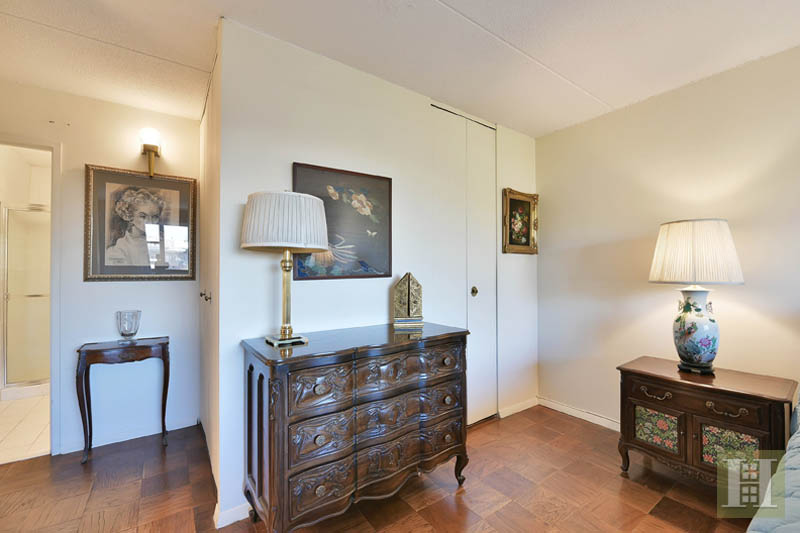 250 GORGE RD 7G, Cliffside Park, $169,000, Web #: 13774587