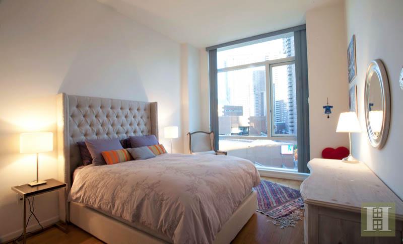 200 CHAMBERS STREET, Tribeca, $4,000, Web #: 14346302