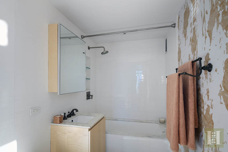 322 WEST 57TH STREET 30T, Midtown West, $2,300,000, Web #: 13982571