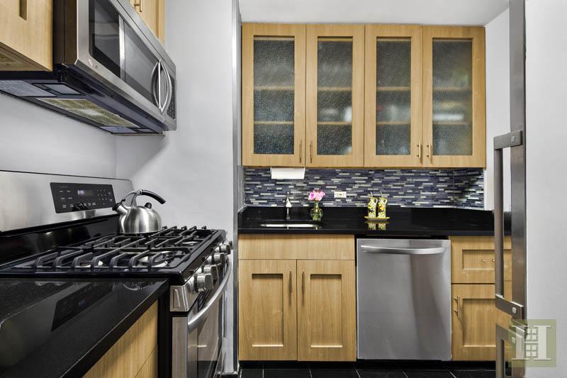 2 BEDROOM CO-OP IN MURRAY HILL!, Murray Hill Kips Bay, $829,000, Web #: 14067713