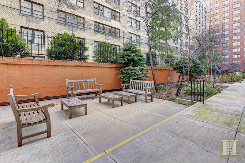 425 EAST 79TH STREET 15J, Upper East Side, $885,000, Web #: 14171225