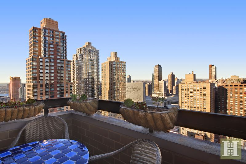 347 WEST 57TH STREET 38C, Midtown West, $2,500,000, Web #: 14201747