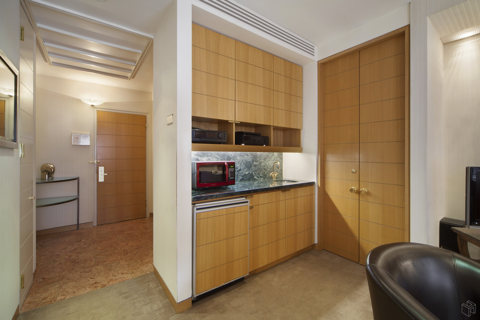 111 EAST 56TH STREET 1401, Midtown East, $850,000, Web #: 14253254