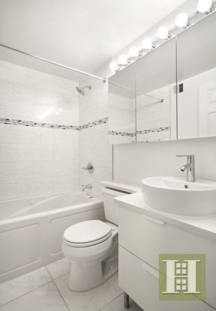 445 WEST 54TH STREET DUPLEX-D, Midtown West, $1,395,000, Web #: 14265242