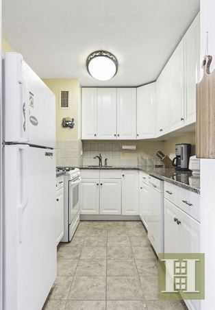 100 BEEKMAN STREET 10D, Lower Manhattan, $925,000, Web #: 14296077