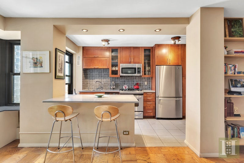 417 GRAND STREET, Lower East Side, $789,000, Web #: 1436876
