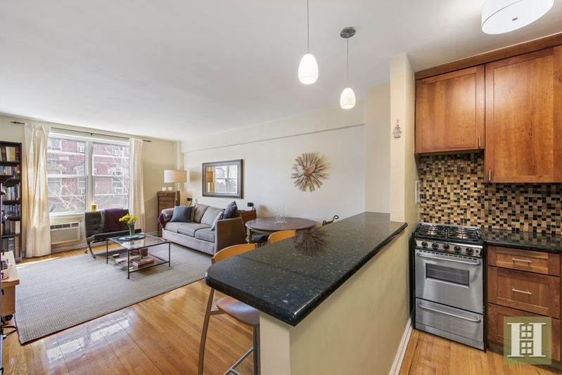 350 BLEECKER STREET 4M, West Village, $1,160,000, Web #: 14413623