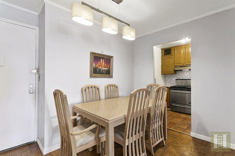 165 WEST 66TH STREET 7D, Upper West Side, $740,000, Web #: 14465993