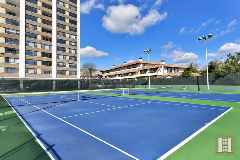 250 GORGE RD 25K, Cliffside Park, $172,000, Web #: 14580277