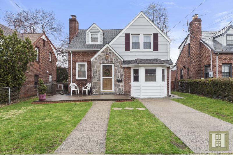 47 POPPY AVENUE, Franklin Square, $399,000, Web #: 14616366
