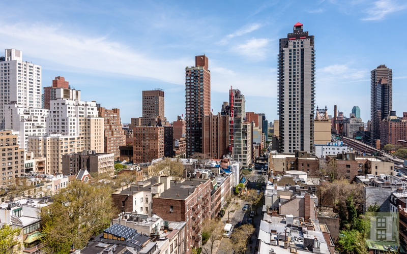 200 EAST 61ST STREET 16E, Upper East Side, $1,600,000, Web #: 14691549