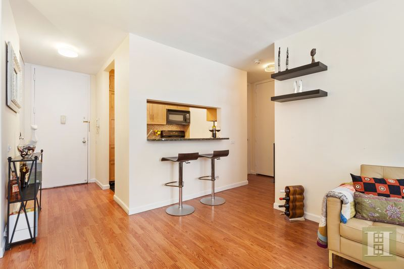 215 WEST 95TH STREET 3B, Upper West Side, $889,000, Web #: 14967269