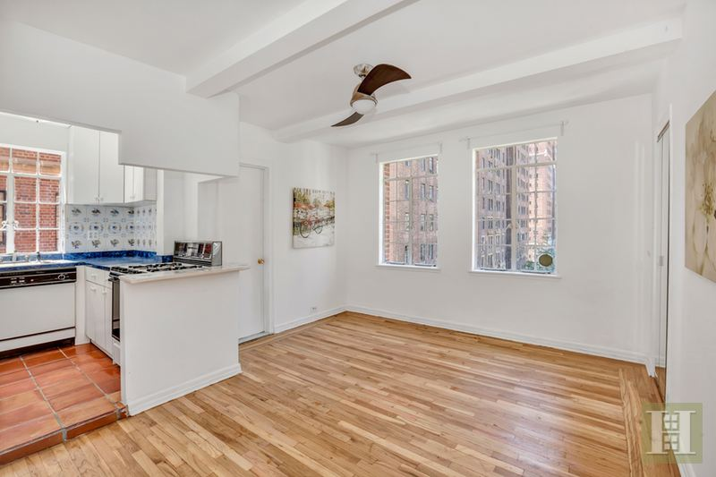 333 EAST 43RD STREET 814, Midtown East, $525,000, Web #: 14993147