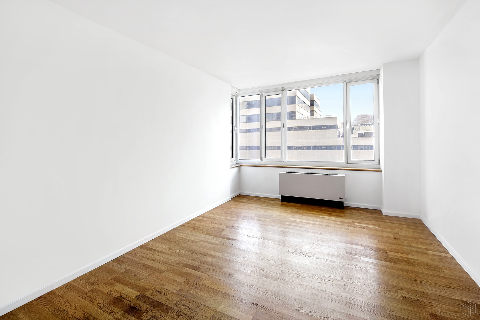 635 WEST 42ND STREET 6B, Midtown West, $855,000, Web #: 1508015
