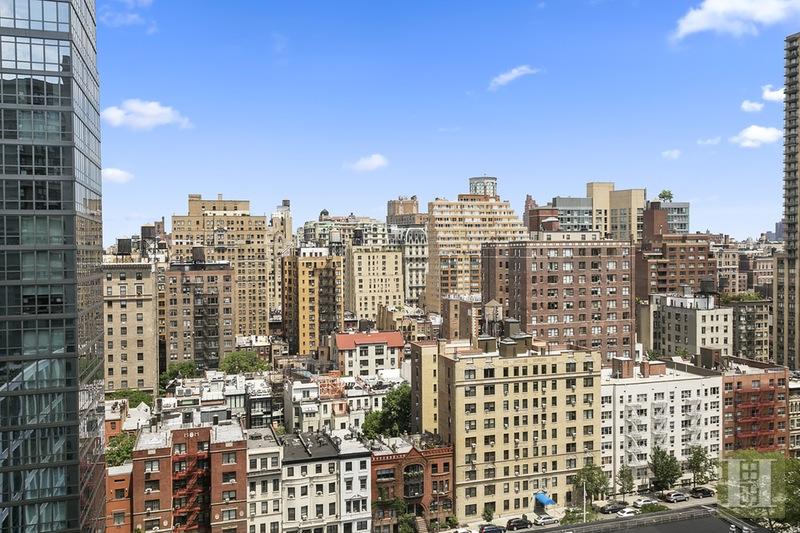 180 WEST END AVENUE 20R, Upper West Side, $925,000, Web #: 15156821