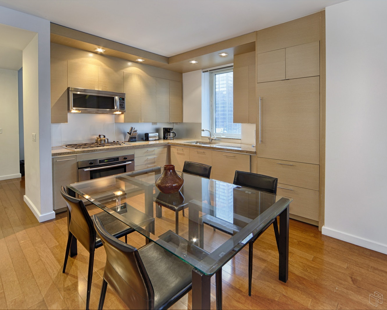 1600 BROADWAY 15AA, Midtown West, $1,150,000, Web #: 15192853