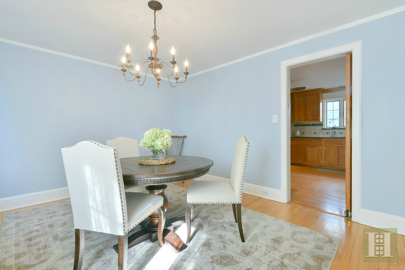 104 PARKVIEW DRIVE, Bloomfield, $455,000, Web #: 15318495