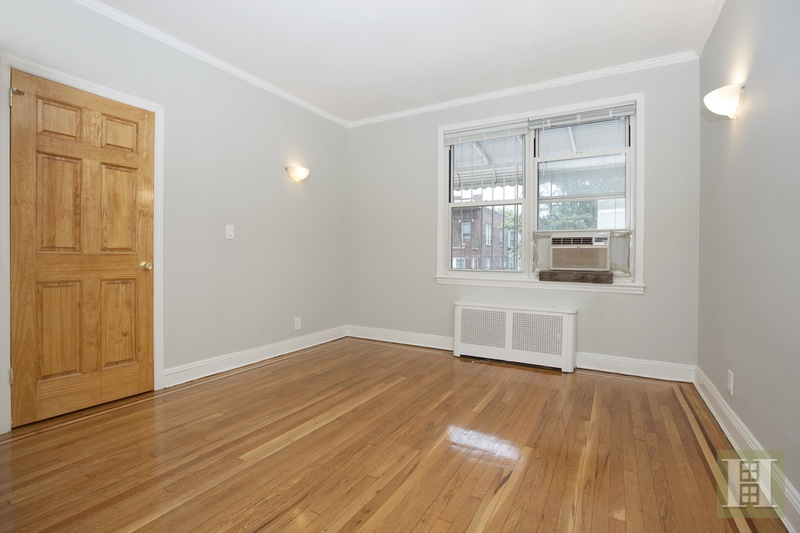 32-20 32ND STREET, Astoria, $3,250, Web #: 15324580