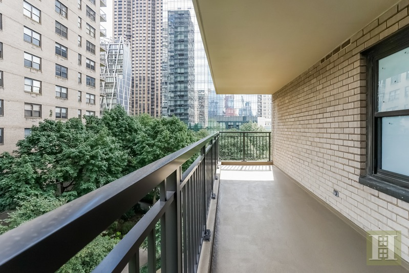 142 WEST END AVENUE 6N, Upper West Side, $1,595,000, Web #: 15340186