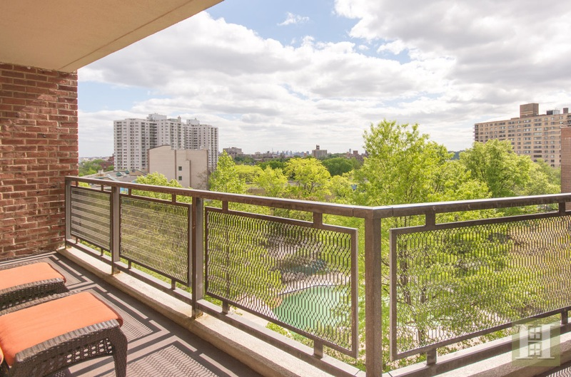 3777 INDEPENDENCE AVENUE 8J, Riverdale, $389,000, Web #: 15378141
