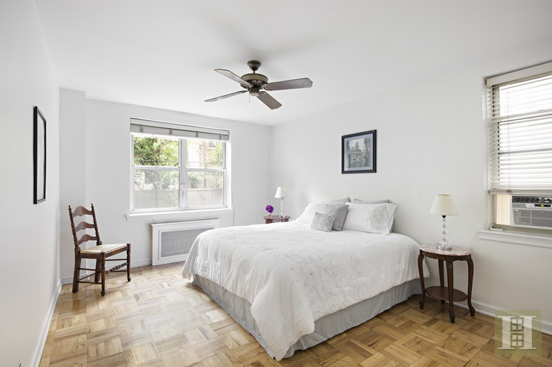 70 RIVERSIDE DRIVE 1C, Upper West Side, $733,000, Web #: 15384906