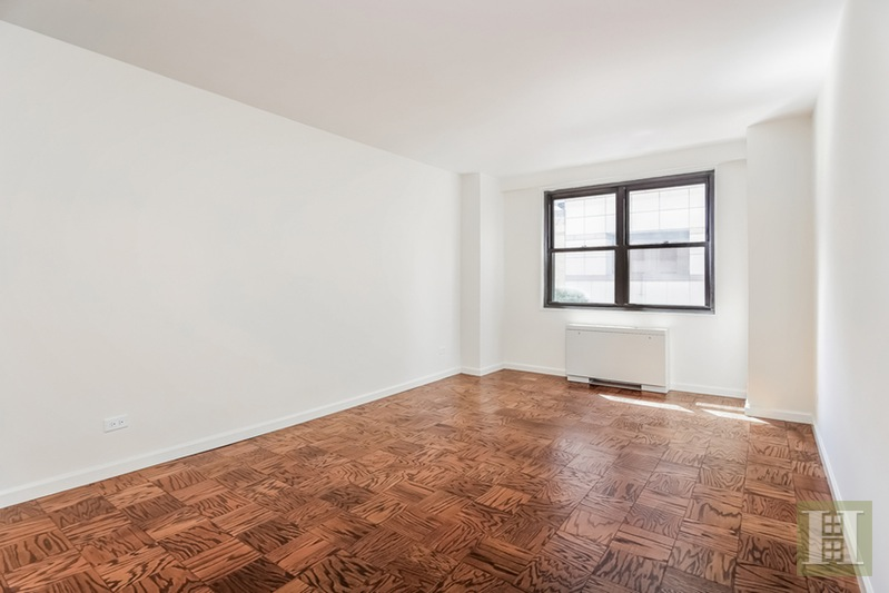 165 WEST 66TH STREET 3A, Upper West Side, $1,575,000, Web #: 15390311