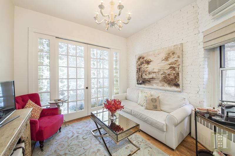 77 PERRY STREET 2B, West Village, $725,000, Web #: 15409316