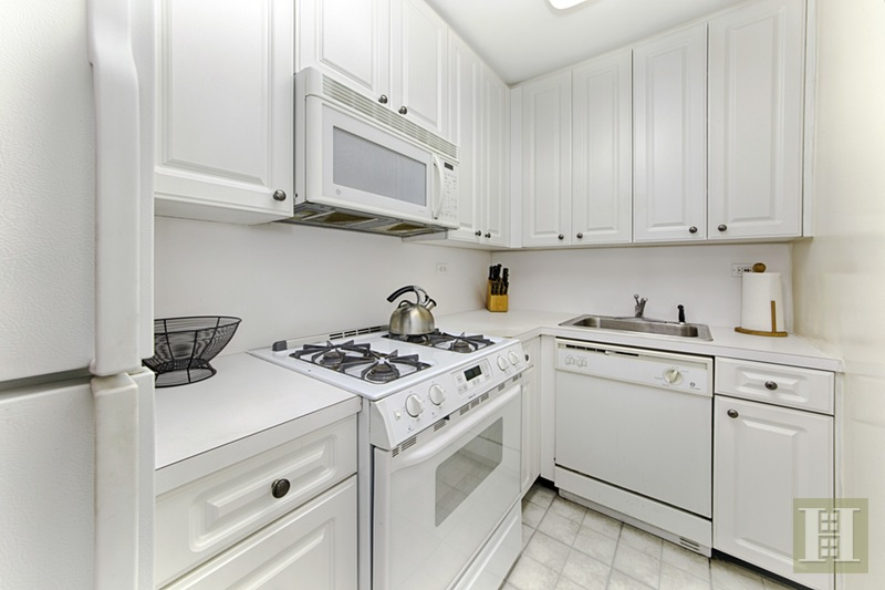 165 WEST 66TH STREET 9Q, Upper West Side, $579,000, Web #: 15426682