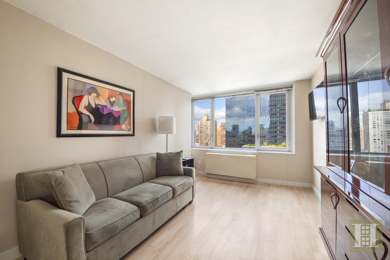 322 WEST 57TH STREET, Midtown West, $2,995,000, Web #: 15452634