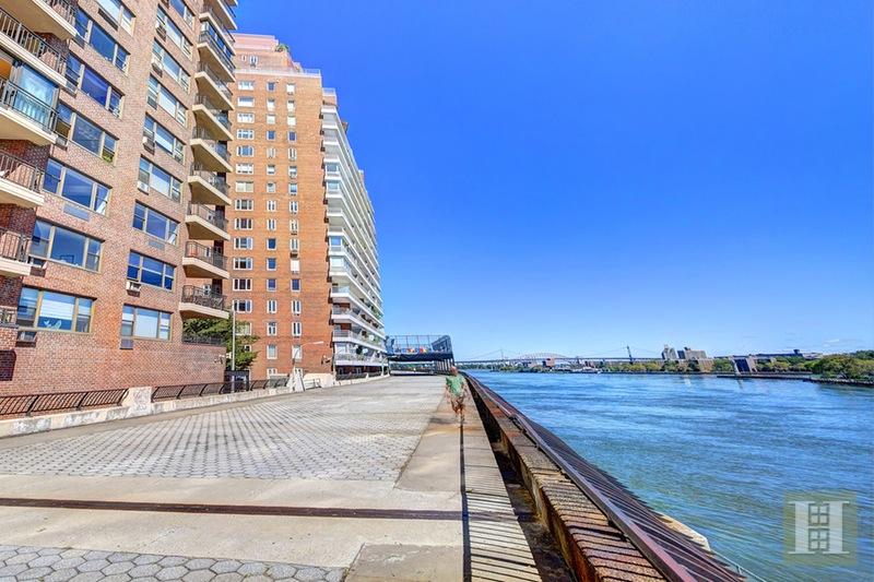 55 EAST END AVENUE 3J, Upper East Side, $775,000, Web #: 15481989