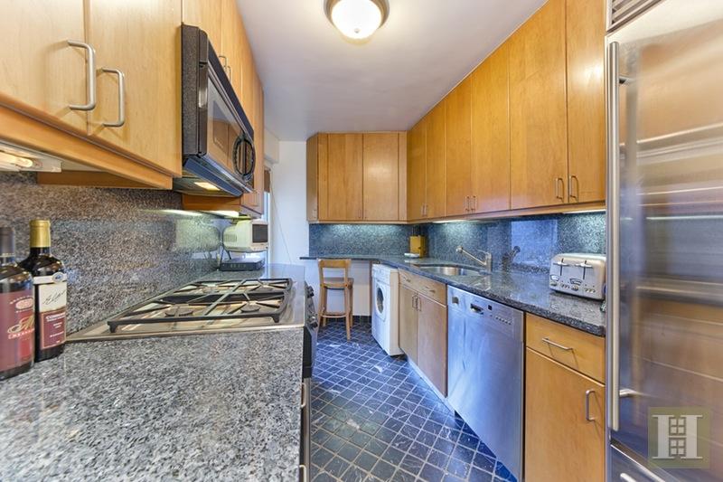 200 CENTRAL PARK SOUTH 16A, Midtown West, $12,000, Web #: 15535260