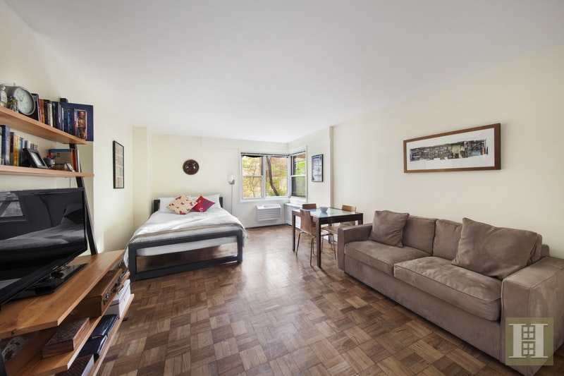 14 HORATIO STREET 2A, West Village, $565,000, Web #: 15737598