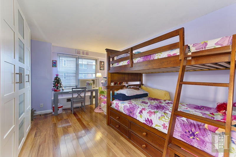 575 GRAND STREET, Lower East Side, $929,000, Web #: 15913912