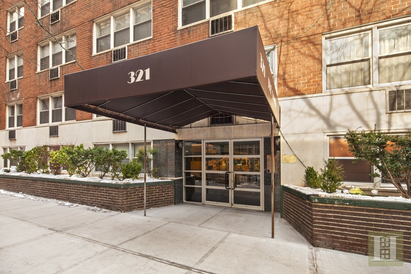 321 EAST 45TH STREET 9A, Midtown East, $355,000, Web #: 15938772