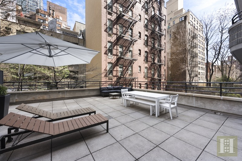 309 EAST 49TH STREET 2C, Midtown East, $1,195,000, Web #: 16015999