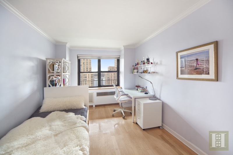165 WEST END AVENUE 15D, Upper West Side, $1,999,000, Web #: 16109160