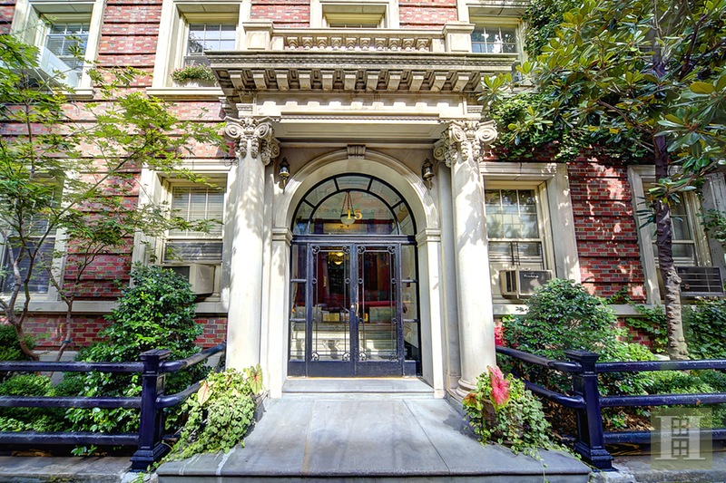 15 EAST 10TH STREET 4D, Greenwich Village, $1,150,000, Web #: 16120266