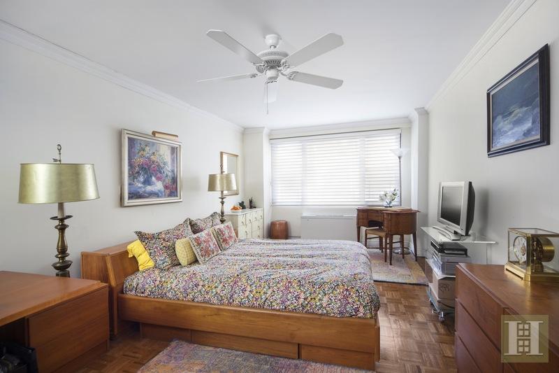 165 WEST 66TH STREET 1A, Upper West Side, $1,650,000, Web #: 16128281