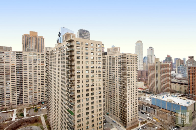 165 WEST END AVENUE 26G, Upper West Side, $529,000, Web #: 16261380