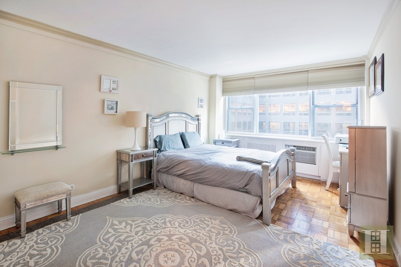 209 EAST 56TH STREET 6F, Midtown East, $640,000, Web #: 16328886