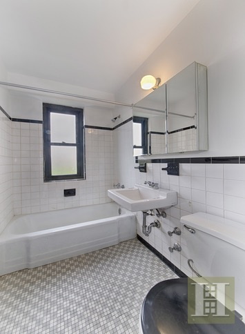 208 EAST BROADWAY, Lower East Side, $749,000, Web #: 16395714