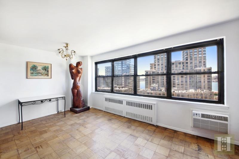 165 WEST END AVENUE 11B, Upper West Side, $799,000, Web #: 16404503