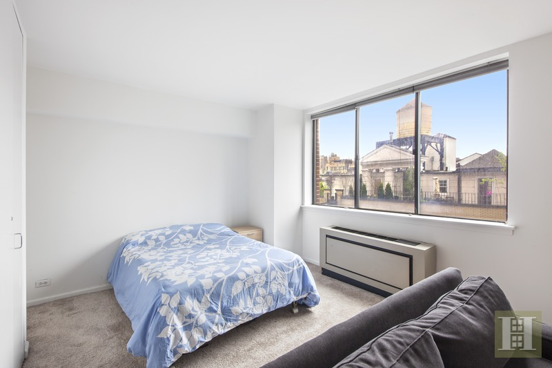 45 WEST 67TH STREET 10A, Upper West Side, $829,000, Web #: 16557934