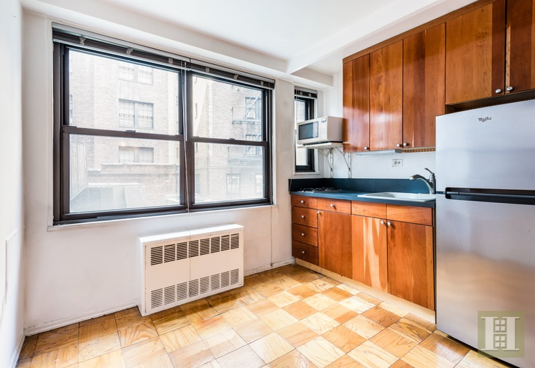 305 EAST 40TH STREET, Midtown East, $425,000, Web #: 16576827