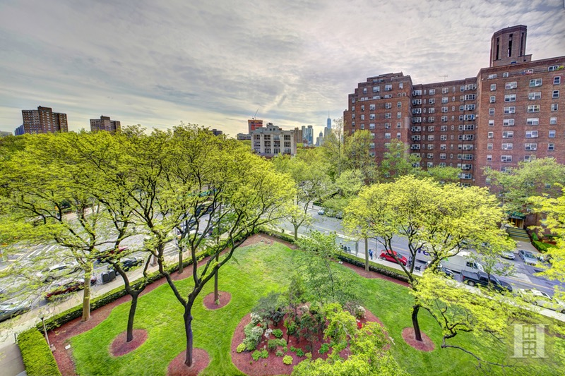 570 GRAND STREET, Lower East Side, $645,000, Web #: 16577367